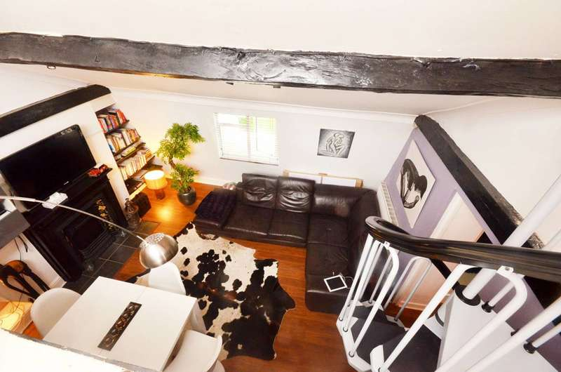 2 Bedrooms Maisonette Flat for sale in Victoria Way, Greenwich, SE7
