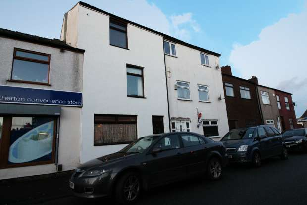 4 Bedrooms Terraced House for sale in Bolton Old Road, Manchester, Greater Manchester, M46 9DF