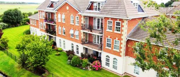 3 Bedrooms Penthouse Flat for sale in The Lodge, Lytham St Annes, Lancashire, FY8 4FJ