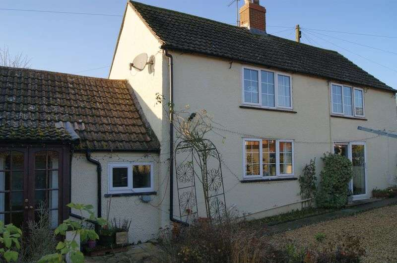 2 Bedrooms Semi Detached House for sale in Woolsthorpe Road, Grantham