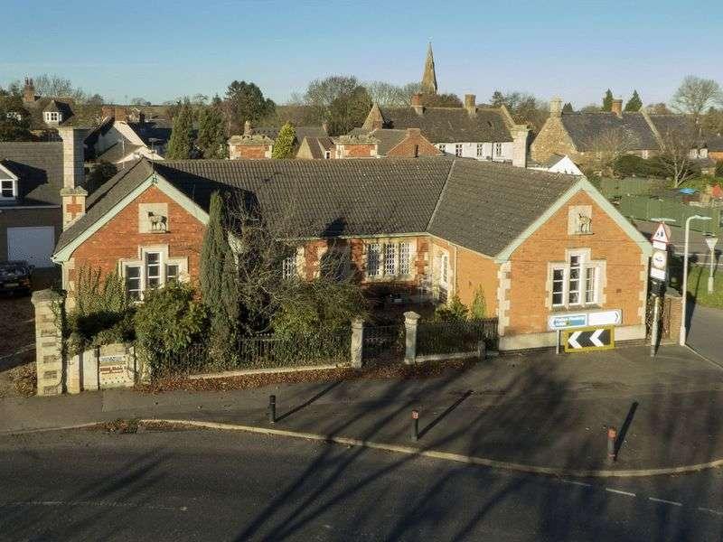 4 Bedrooms Detached House for sale in Melton Road, Langham