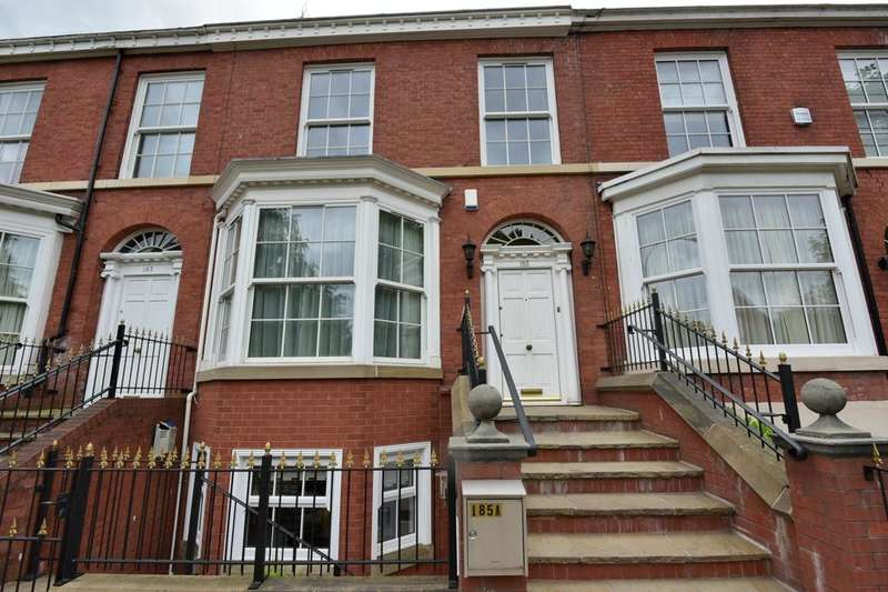 5 Bedrooms Mews House for sale in Wellington Road North, Stockport, Stockport, Cheshire, SK4 2PB