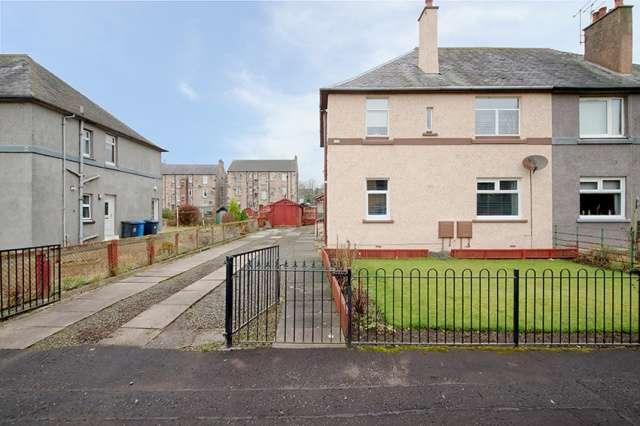2 Bedrooms Villa House for sale in Munro Drive, Kilbirnie, North Ayrshire, KA25 6LH