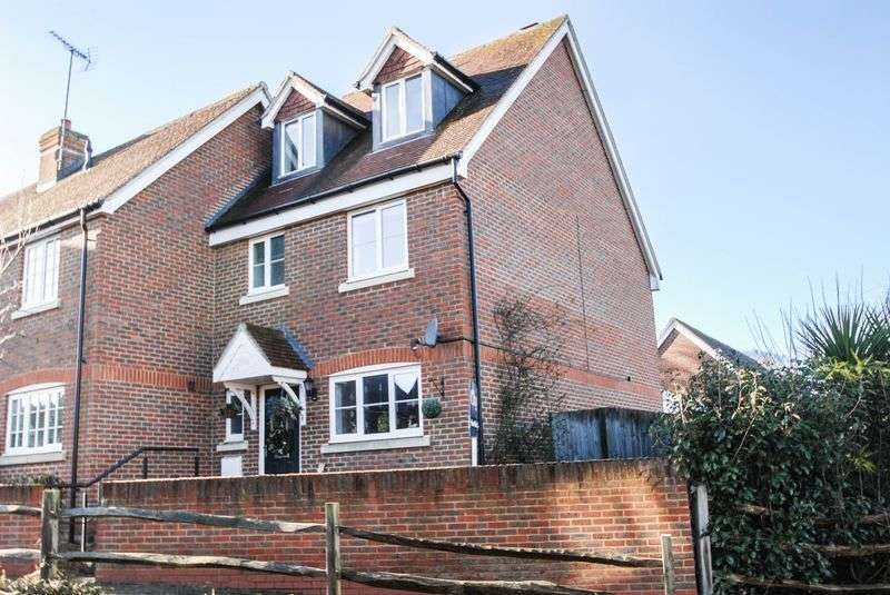 4 Bedrooms Semi Detached House for sale in The Grange, Hurstpierpoint