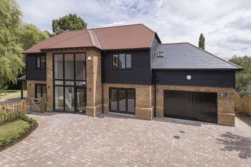 4 Bedrooms Detached House for sale in Brand New Barn, Mill Hill, Edenbridge