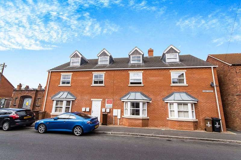 2 Bedrooms Flat for sale in Robey Court Robey Street, Lincoln, LN5
