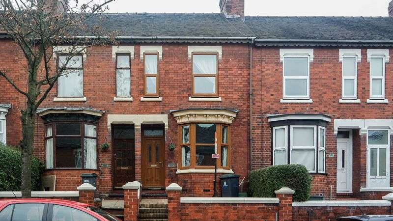 2 Bedrooms Terraced House for sale in London Road, Oakhill, Stoke-On-Trent, ST4 5AZ