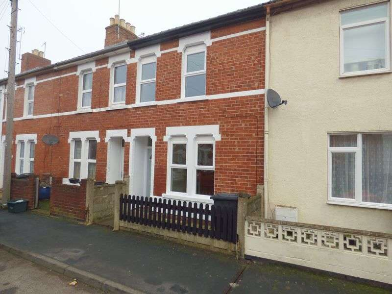 2 Bedrooms Terraced House for sale in Cecil Road, Gloucester