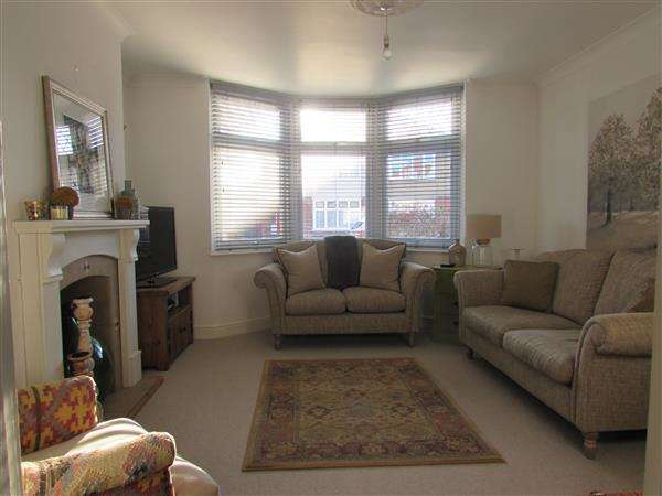 3 Bedrooms Semi Detached House for sale in Norbury Road, Ipswich