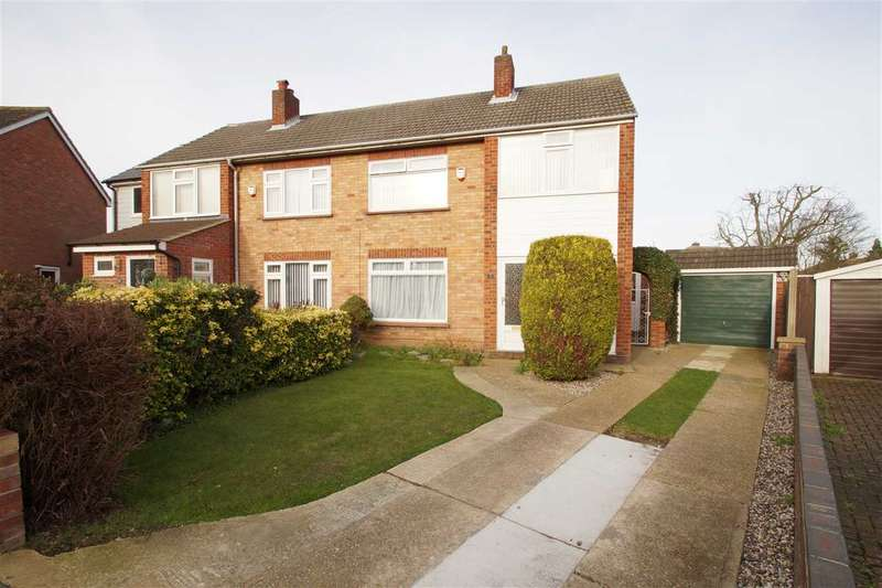 3 Bedrooms Semi Detached House for sale in Alan Way, Prettygate, Colchester