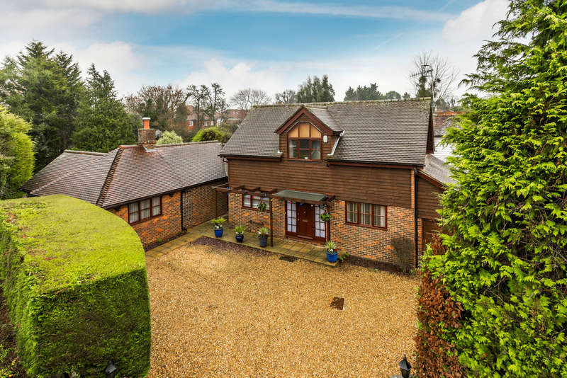 4 Bedrooms Detached House for sale in Mill Hill, Edenbridge, TN8