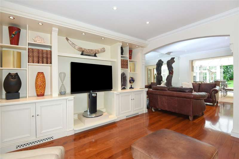 4 Bedrooms House for sale in Bawtree Road, Uxbridge, Middlesex, UB8