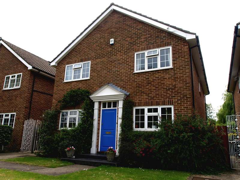 4 Bedrooms Detached House for rent in Eastcote Road, Ruislip
