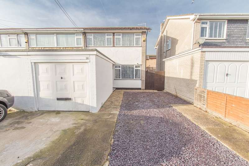 3 Bedrooms End Of Terrace House for sale in Lappmark Road, Canvey Island, SS8