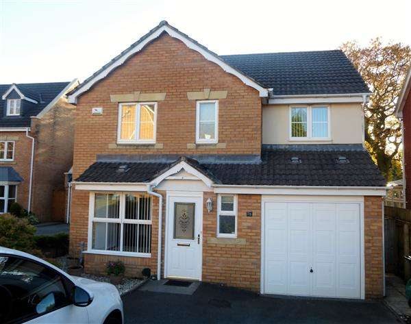 4 Bedrooms House for sale in Bassetts Field, Thornhill, Cardiff