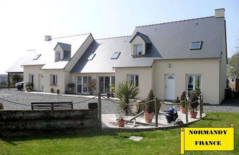 8 Bedrooms Link Detached House for sale in Rue de la Landelle, 50170 Huisnes sur Mer, Normandy FRANCE
