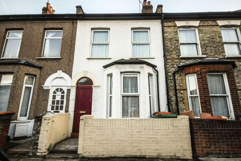 2 Bedrooms Terraced House for sale in Keogh Road, Stratford, E15