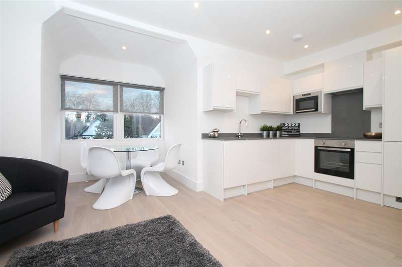1 Bedroom Property for sale in Broomfield Avenue, Palmers Green, London N13