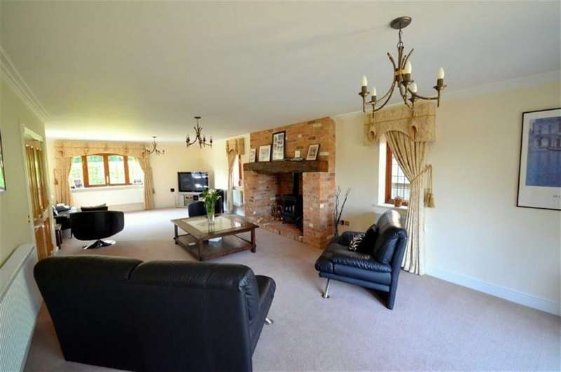 5 Bedrooms Property for rent in Manor Farm Lane, Tidmarsh
