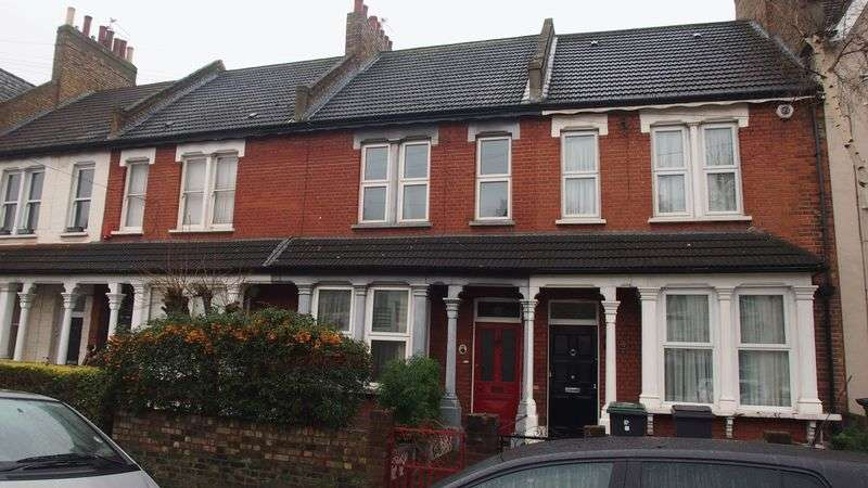 3 Bedrooms Terraced House for sale in Lascotts Road, Wood Green