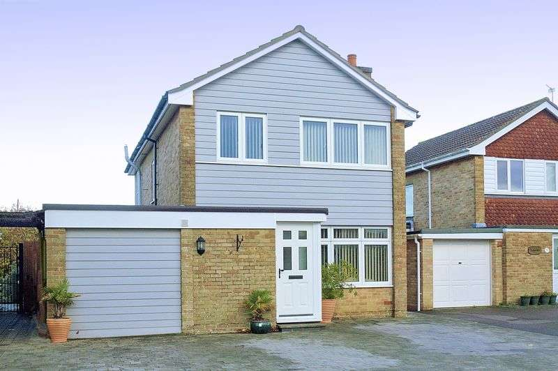 3 Bedrooms Detached House for sale in Tangmere Gardens, Bognor Regis, PO21