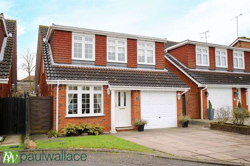 4 Bedrooms Detached House for sale in Grovedale Close, West Cheshunt