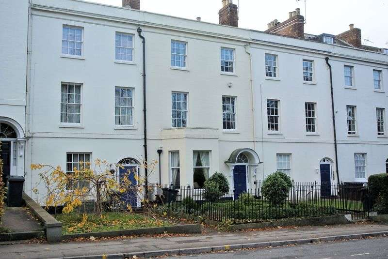 5 Bedrooms Terraced House for sale in London Road, Gloucester