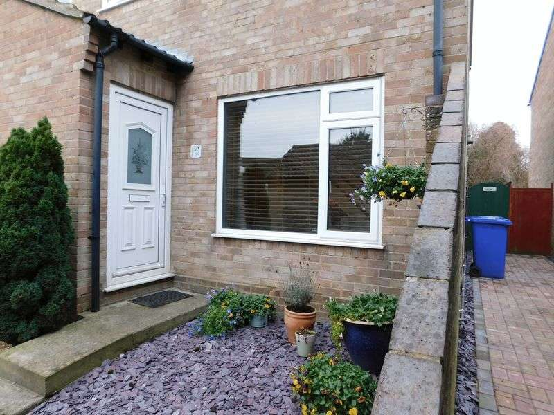 3 Bedrooms Semi Detached House for sale in St. Peters Gate, Brackley