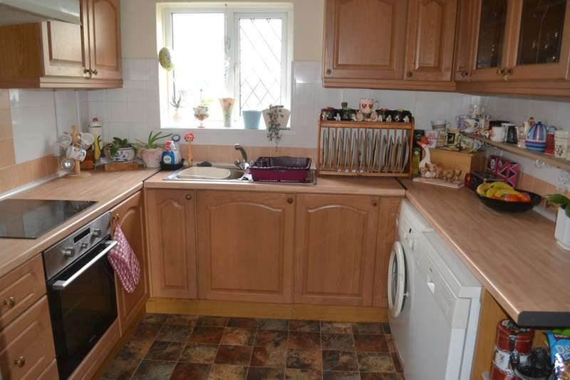3 Bedrooms Semi Detached House for sale in Trenel, Pembrey, Carmarthenshire, SA16