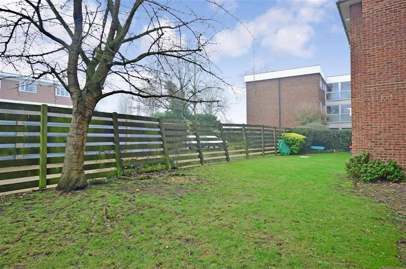 2 Bedrooms Flat for sale in All Saints Road, Sutton, Surrey