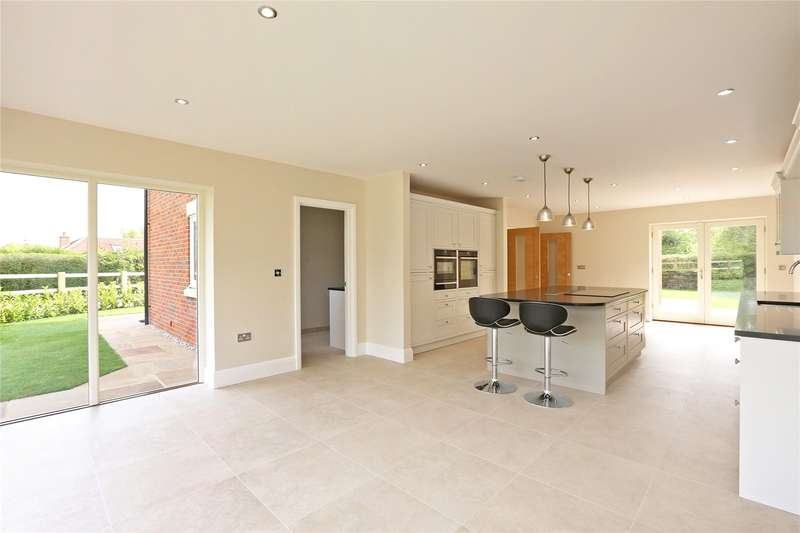 4 Bedrooms Detached House for sale in Bungalow Close, Wood Perry Road, Beckley, Oxfordshire, OX3