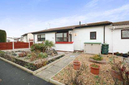 2 Bedrooms Bungalow for sale in Tegfan, Belgrano, Conwy, North Wales, LL22