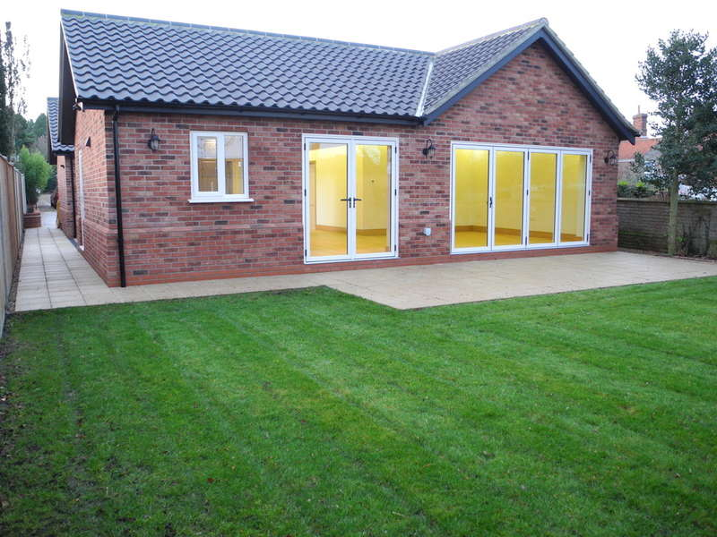 3 Bedrooms Detached Bungalow for sale in London Road, Beccles