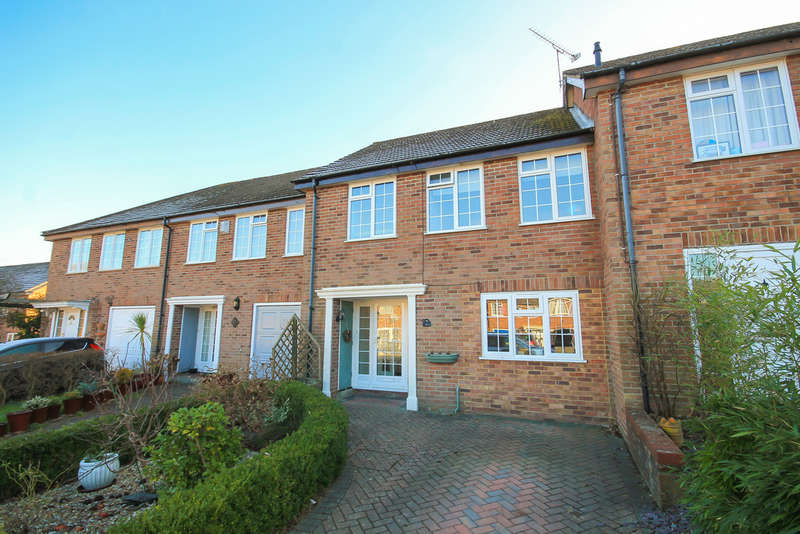 3 Bedrooms Terraced House for sale in The Courtyard, East Grinstead