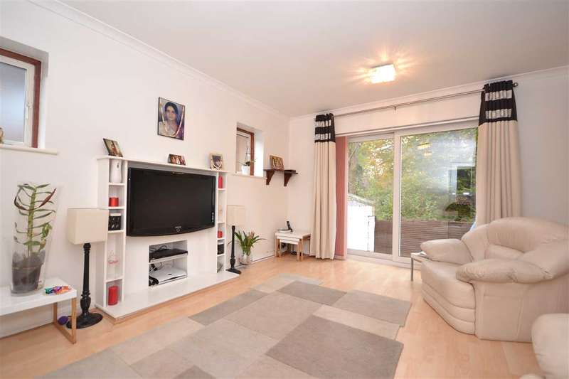 3 Bedrooms Property for sale in Gladsdale Drive, Pinner