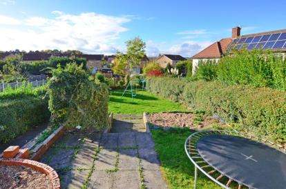 3 Bedrooms Semi Detached House for sale in Walton Crescent, Chesterfield, Derbyshire