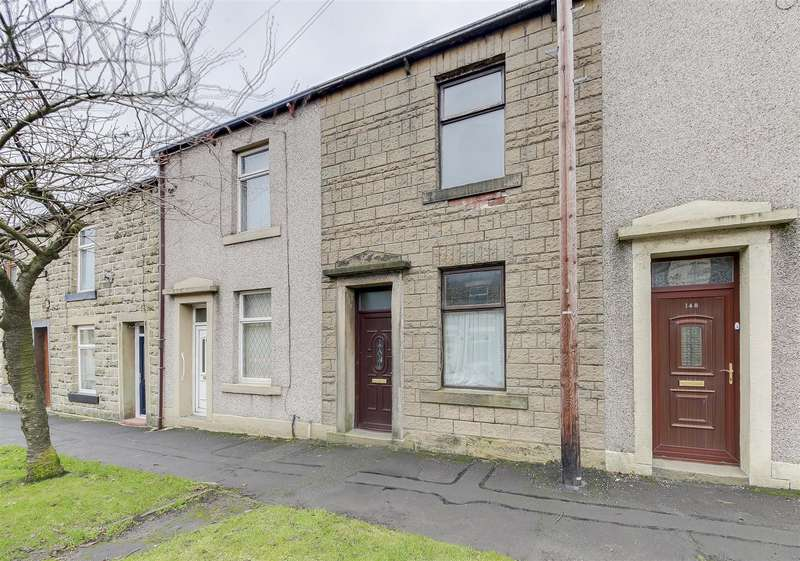 2 Bedrooms Property for sale in New Line, Bacup