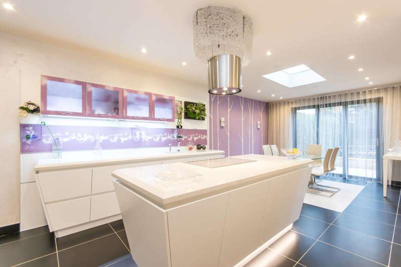 6 Bedrooms Semi Detached House for sale in Wren Avenue, Cricklewood, NW2