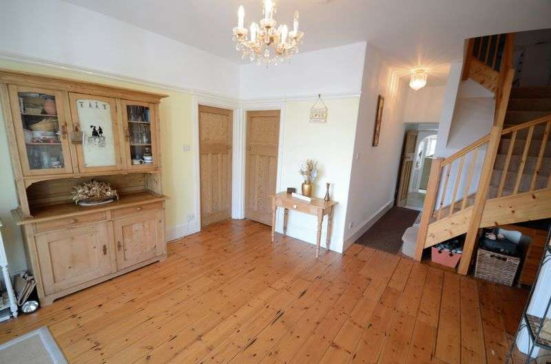 4 Bedrooms Detached Bungalow for sale in Saltash Road, Callington