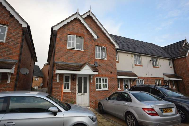 3 Bedrooms Property for sale in Waterside Close, Central Thamesmead , London, SE28