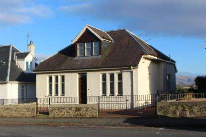 4 Bedrooms Bungalow for sale in Glasgow Road, Stirling