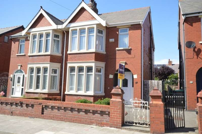 3 Bedrooms Semi Detached House for sale in Kenilworth Gardens, South Shore