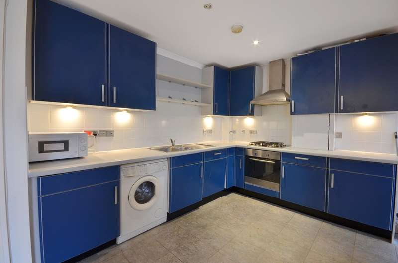 2 Bedrooms Flat for sale in Chudleigh Road, Brockley, London SE4 1HD