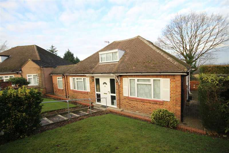 3 Bedrooms Bungalow for sale in Shady Bush Close, Bushey Heath, WD23