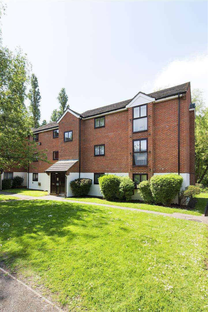 Property for sale in Wheatley Close, NW4