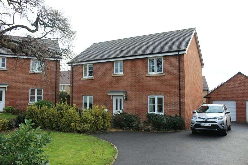 4 Bedrooms Detached House for sale in Anson Avenue, Calne