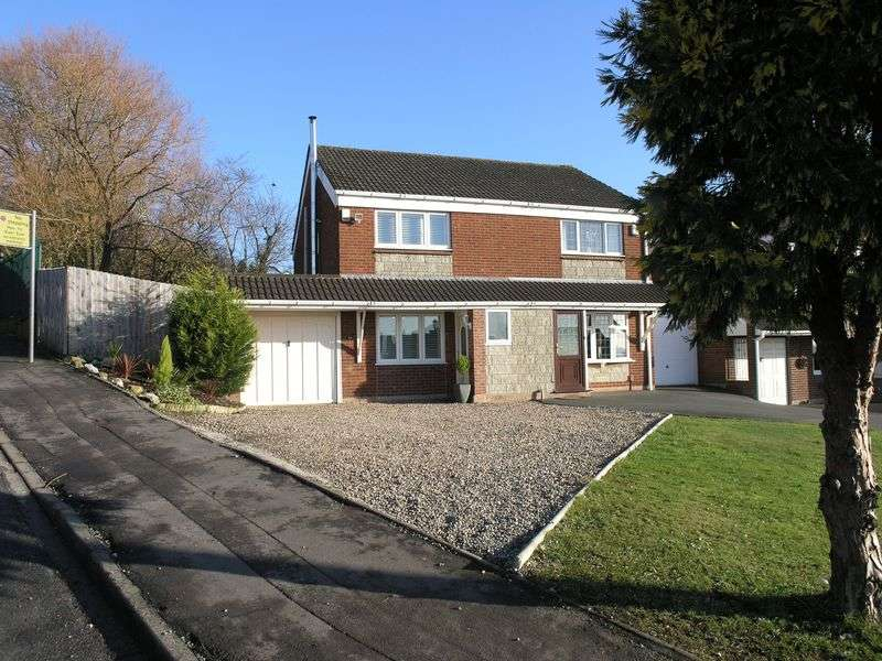 3 Bedrooms Semi Detached House for sale in AMBLECOTE, Peters Hill Road