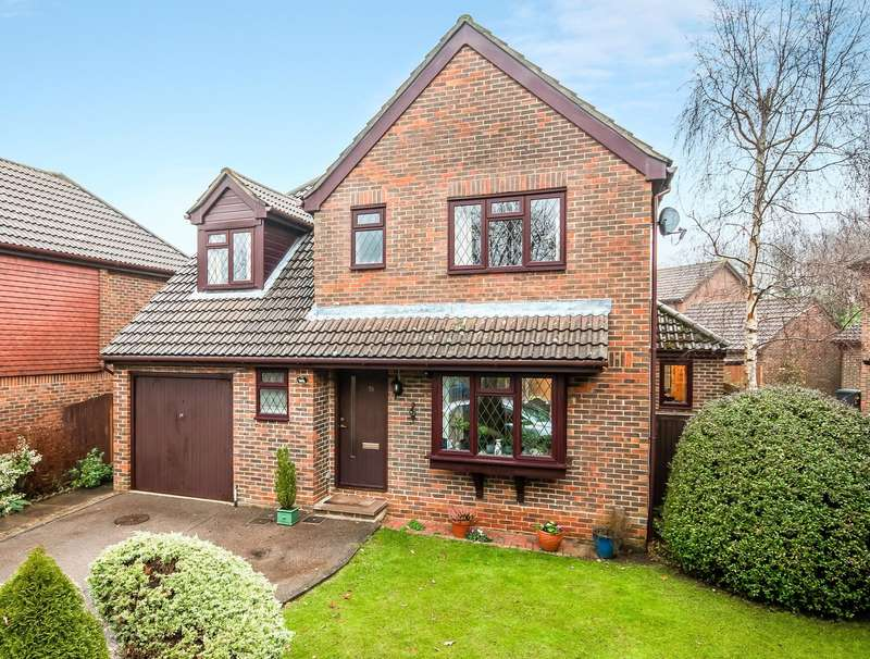 4 Bedrooms Detached House for sale in Wildcroft Drive, North Holmwood, Dorking, Surrey, RH5