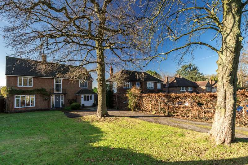 4 Bedrooms Detached House for sale in Wray Common Road, Reigate, Surrey, RH2