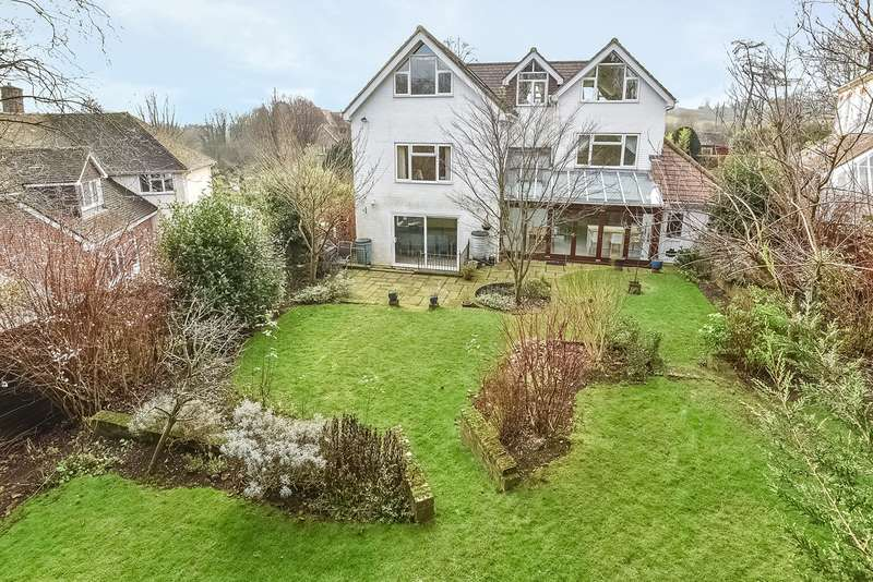 6 Bedrooms Detached House for sale in Mead Road, Winchester, SO23